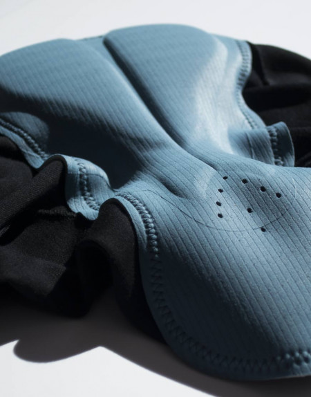 Men's merino bibs with plant-based reinforcements and cargo pockets - Elastic Interface chamois
