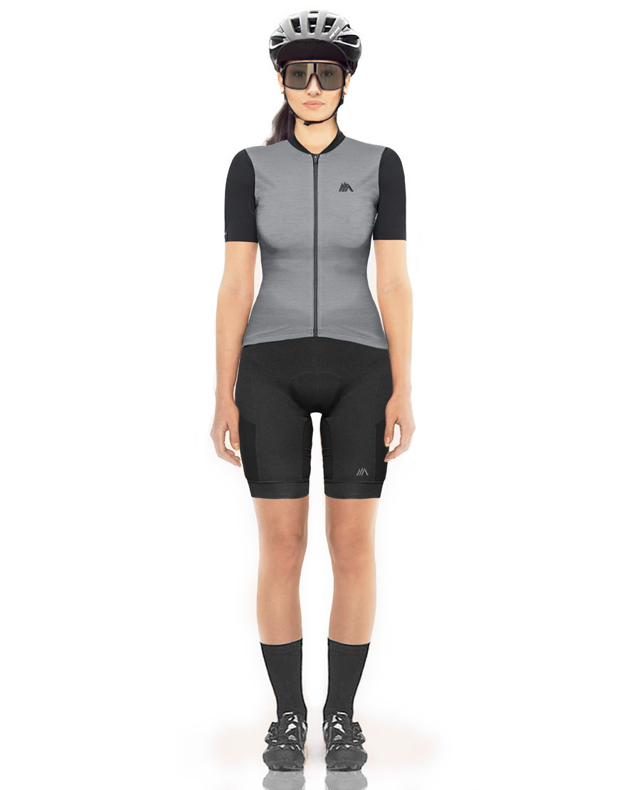 Women's sustainable merino wool cycling jersey with plant-based sleeves and pockets - ultimate grey