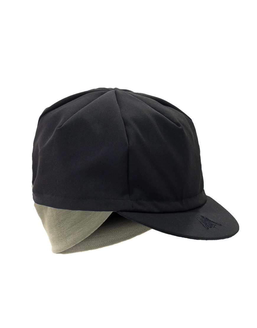 Wool cycling cap with merino earflaps
